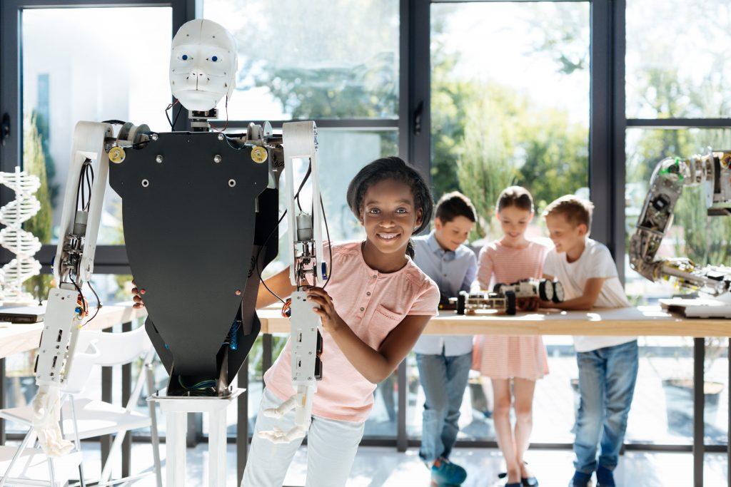 meisje met robot